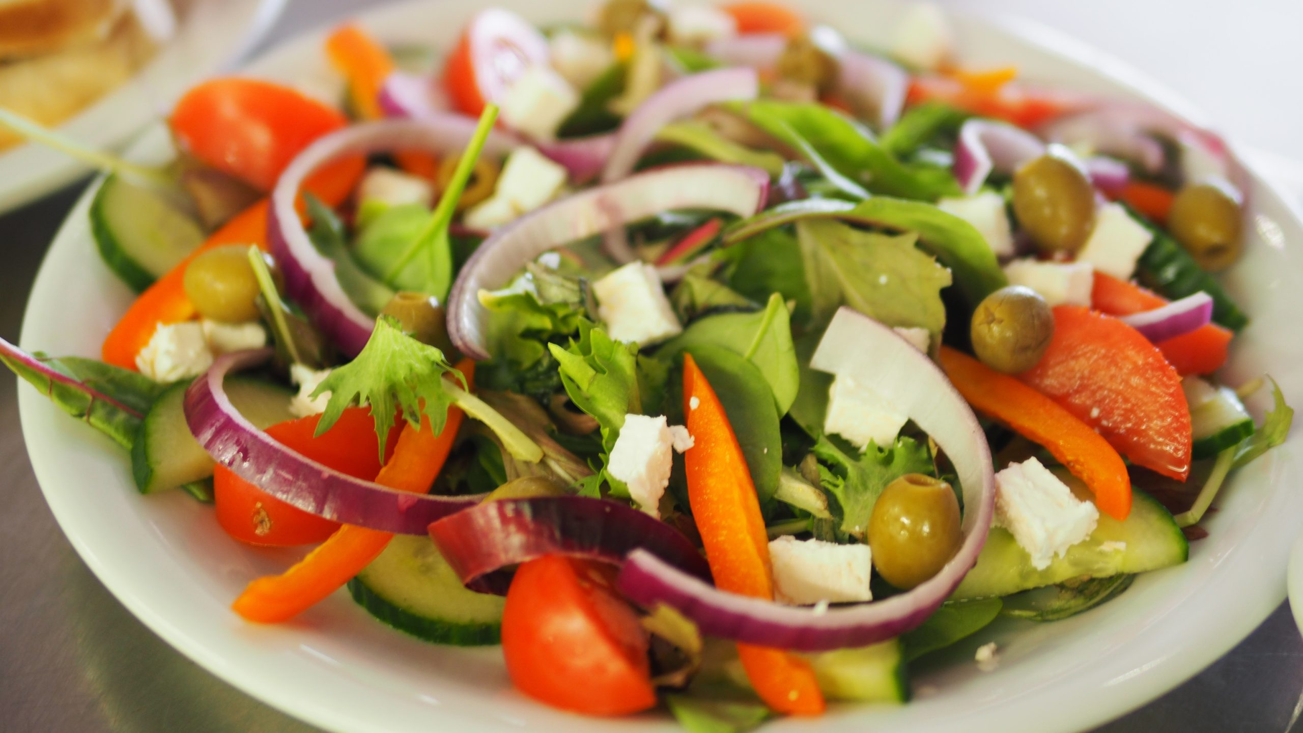 Low-Calorie Salad Dressing To Choose From